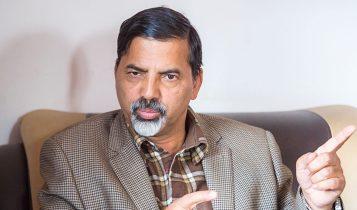 ओलीले संघीयता र संविधानलाई पद र कुर्सीसँग साटेः जनार्दन शर्मा
