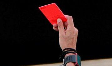 फुटबलमा नयाँ नियमः खोक्नु अश्लिल, खोके खेलाडी र खेल पदाधिकारीले रातो कार्ड पाउने