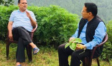 पूर्वसभामुख महरालाई ऊर्जामन्त्री पुनले रोल्पा पुगेर भेटे
