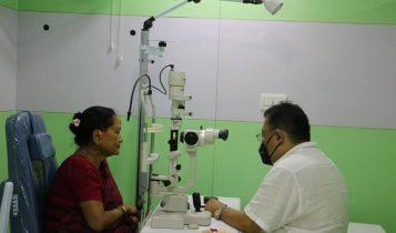 मेची नेत्रालय दमकमा डा.शरद चन्द्र राईद्वारा आँखाको पर्दा सम्बन्धी उपचार सुरु